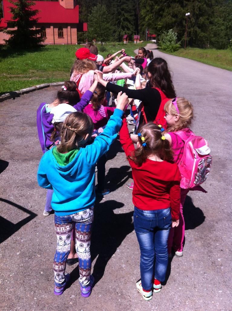 Ukraina-Brzozdowce-Dzieci-z-Brzozdowiec-pod-Howerla_012-misje-sds-pl