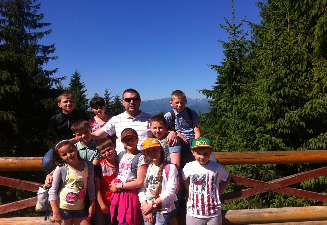 Ukraina-Brzozdowce-Dzieci-z-Brzozdowiec-pod-Howerla_023-misje-sds-pl