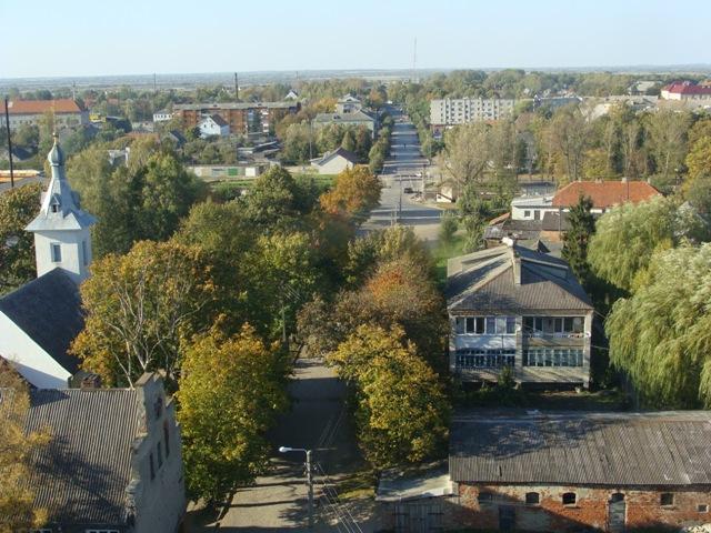 Widok na miasto i kościół katolicki Świętego Ducha,  przekazany przed 20 laty prawosławnym