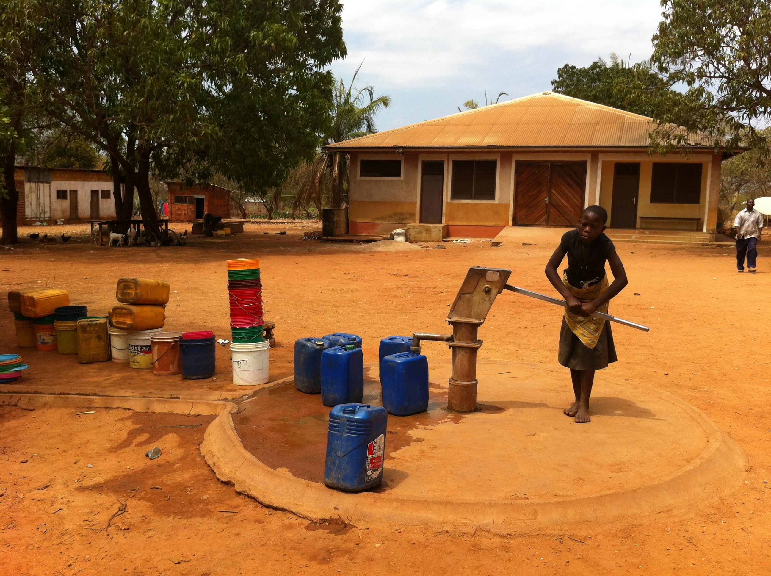 Tanzania: Afrykańska ziemia spalona słońcem…