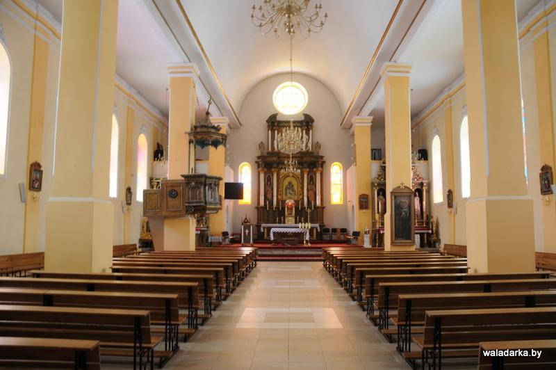 Brasław, Białoruś: Nowe ławki w Brasławiu