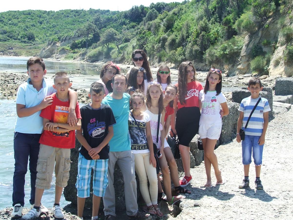 Albania, Bilaj: Wakacje z Panem Bogiem